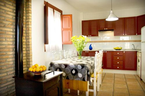 Three-Bedroom Apartment (6 Adults) - single occupancy Hotel Rural El Molino de Felipe 7