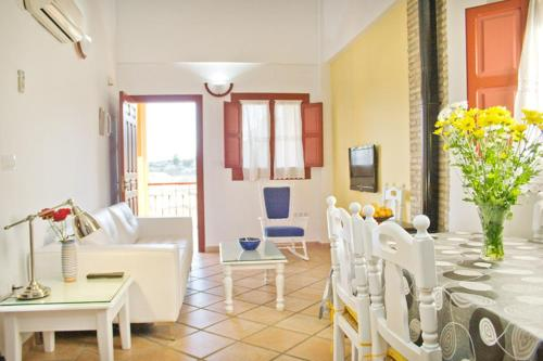 Three-Bedroom Apartment (6 Adults) - single occupancy Hotel Rural El Molino de Felipe 8
