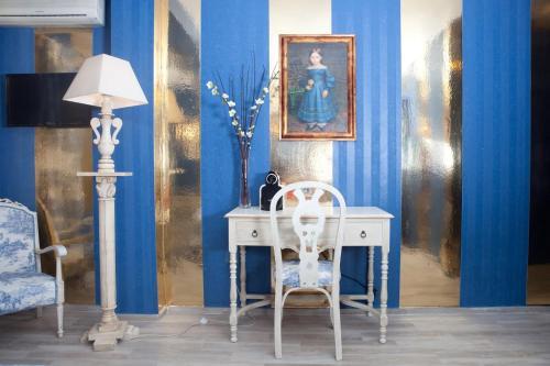 Habitación con cama extragrande y vistas al jardín Hotel Boutique Al- Ana Marbella 3