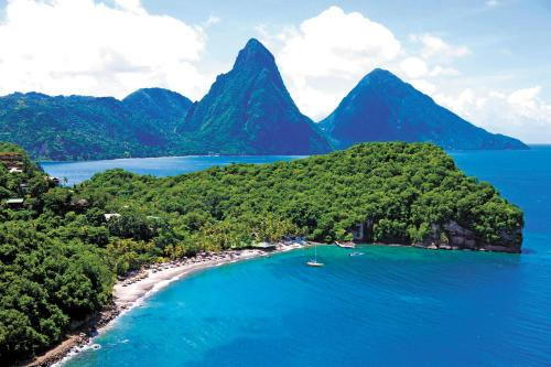 ANSE CHASTANET0