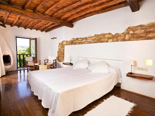 Superior Double Room Agroturismo Ca n'Escandell 10