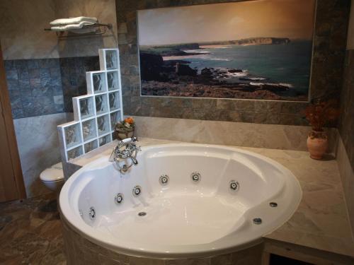 Dúplex Superior con bañera de hidromasaje Hotel Rural Posada El Solar 6