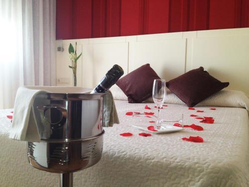 Oferta Especial - Habitación Doble - 1 o 2 camas Hotel la Bastida 8