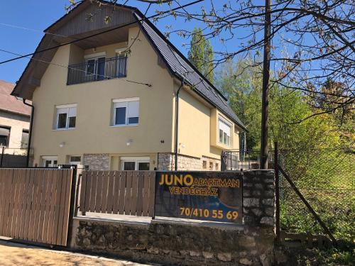 Juno Apartman Vendégház