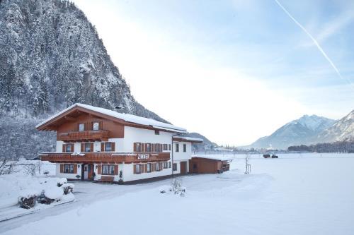 Gästehaus Luxner - Apartment mit Blick auf die Berge