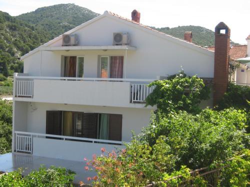 Apartments Ivana Barcot