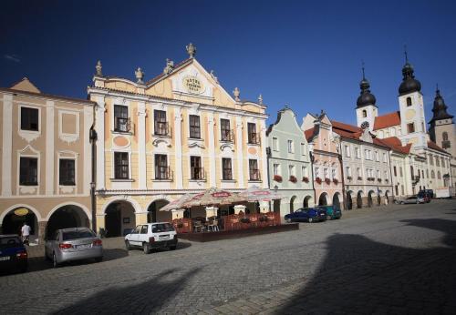 Отель Hotel U Černého orla 3 звезды Чешская Республика