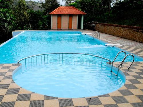 Emarald Crescent Resort
