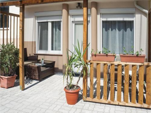 0-Bedroom Apartment in Zalakaro