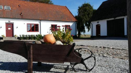 Photo of Bed & Breakfast Lyckebo Gård Hotel Bed and Breakfast Accommodation in Trelleborg N/A