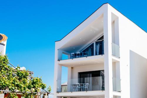 Boutique Villa Nirvana 2, Proboj 25