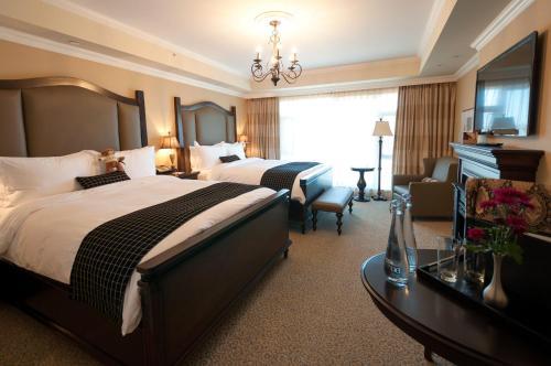 Oak Bay Beach Hotel - 34 of 41
