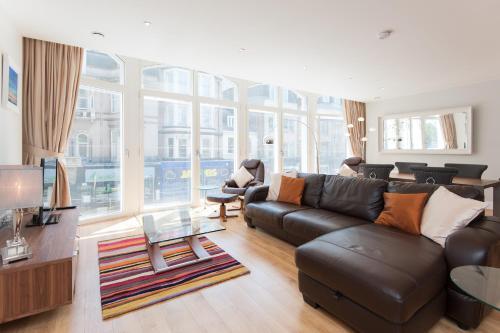 Edinburgh City Centre by Reserve Apartments