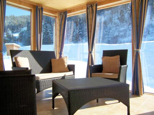Xalet 3 Habitacions amb Terrassa (Three-Bedroom Chalet with Terrace)