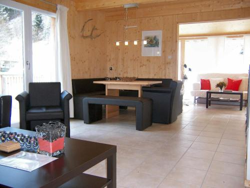 Xalet 4 Habitacions amb Terrassa (Four-Bedroom Chalet with Terrace)