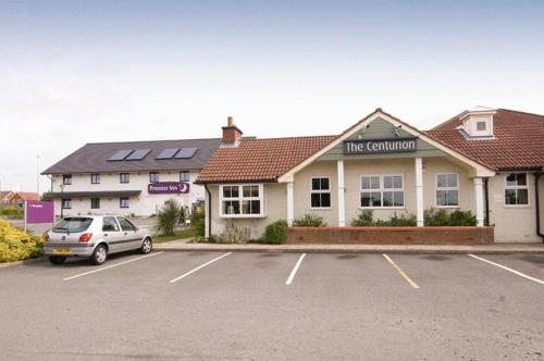 Entrance Premier Inn Tamworth South