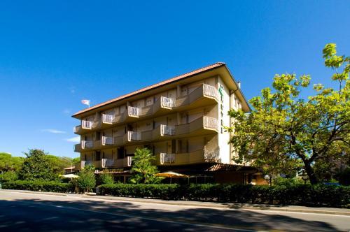 foto Hotel Parco Dei Pini (Portiglioni)