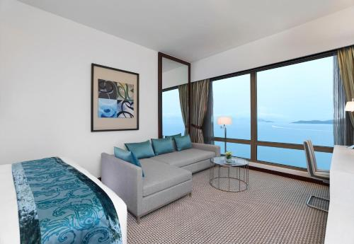 特大雙人床或雙床海景房 (King or Twin Room with Ocean View)