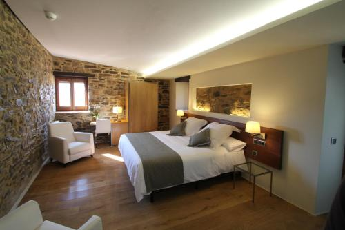 Superior Double Room Hotel Can Cuch 2