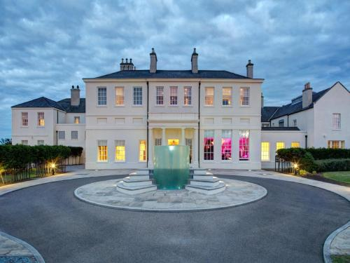 Отель Seaham Hall and Serenity Spa