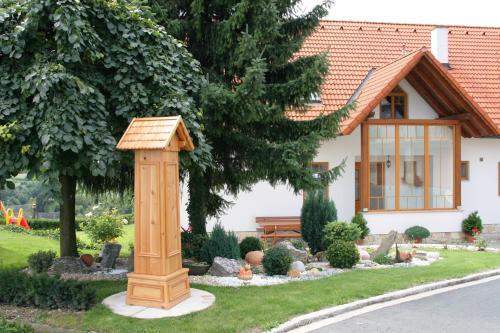 Schwalbenhof - Apartment mit 1 Schlafzimmer, einem Balkon und einer Terrasse