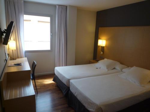 Habitación Doble - 2 camas Marqués de Vallejo 12