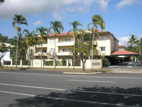 Tradewinds McLeod Holiday Apartments