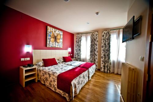 Special Offer - Twin Room Hotel Condes de Castilla 1