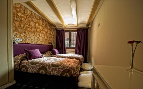 Doppel- oder Zweibettzimmer Hotel Albanuracín 6