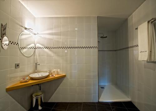 Doppel- oder Zweibettzimmer Hotel Albanuracín 3