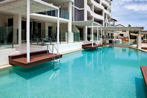 Waters Edge Apartment Cairns