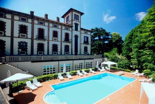 Hotel Villa Conte Riccardi front view