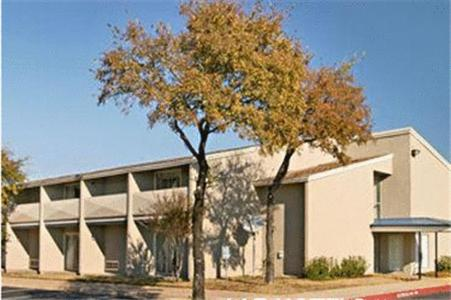 Photo of AAE Austin's Travelodge Hotel Bed and Breakfast Accommodation in Austin Texas
