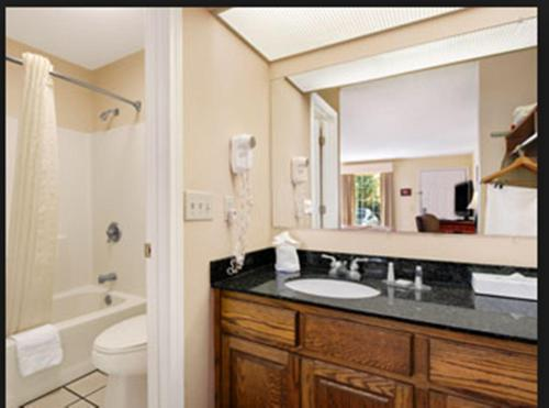 Baymont Inn And Suites - Warner Robins
