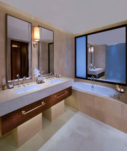 Anantara Eastern Mangroves Hotel & Spa photo 18