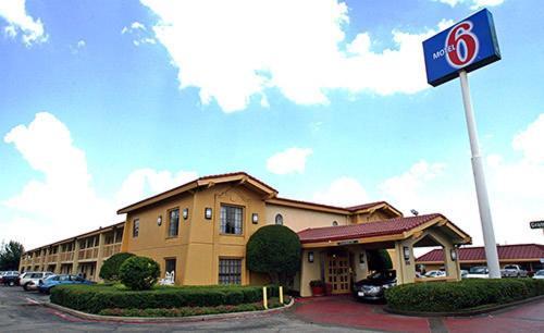 Motel 6 Garland Northwest Highway Hotel