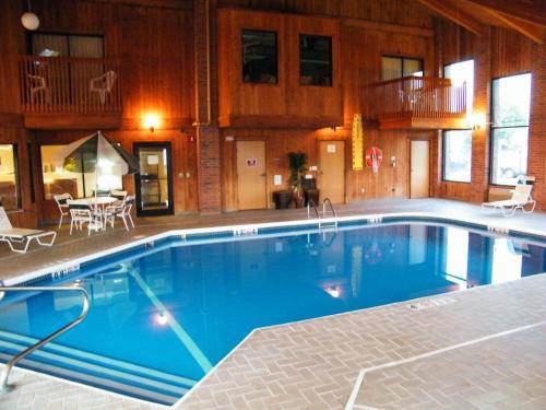 Amerihost Inn & Suites - Mexico
