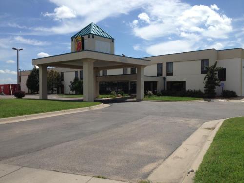 Picture of Super 8 Wichita South