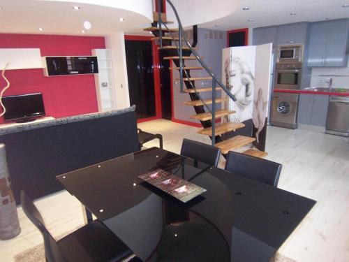 Отель Apartamentos MLR Loft Retiro 0 звёзд Испания