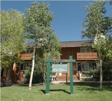 Photo of Alpenblick by Frias Properties Hotel Bed and Breakfast Accommodation in Aspen Colorado