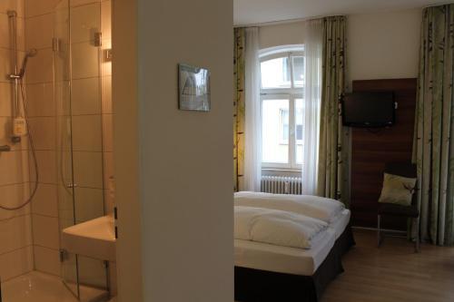 hotel am viktualienmarkt munich germany overview. Black Bedroom Furniture Sets. Home Design Ideas