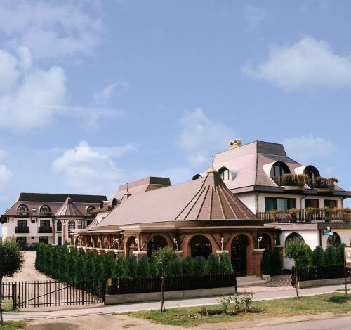 Karikás Hotel