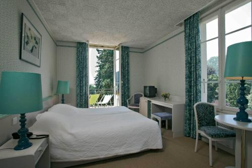 Twin/Double Room - Lake Side