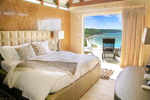 CeBlue Villas & Beach Resort, Валли