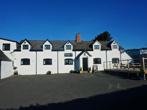 The Dolfor Inn (Bed and Breakfast)