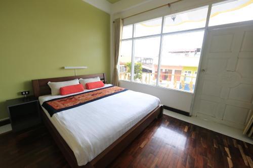 Отель iHouse-New Hotel 2 звезды Лаос