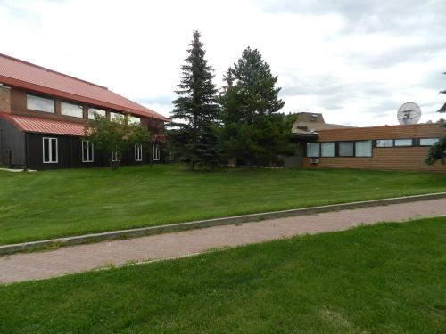 Slave Lake Inn and Conference Centre