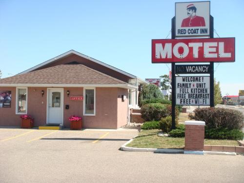 Red Coat Inn Motel, Fort Macleod | BedroomVillas.com