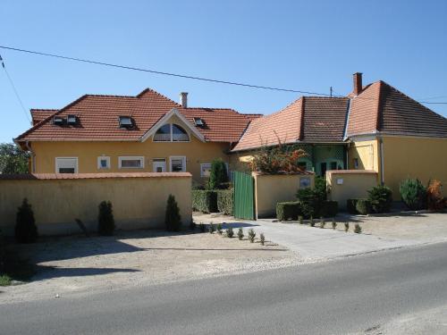 Отель Viola Vendégház 0 звёзд Венгрия