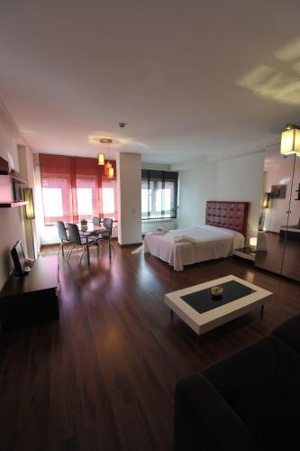 Apartamentos Turisticos Veladiez